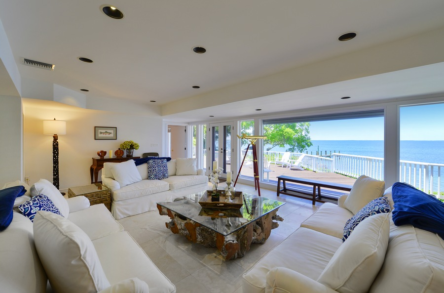 Living room looking out into the ocean